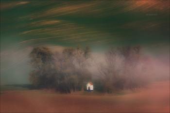 DREAMS / Часовенка в туманной дымке