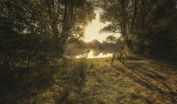 Велосипед / Утром на озере