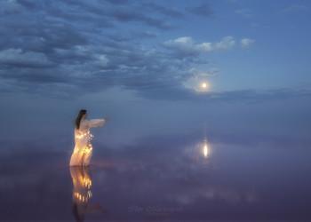 Нимфа озера Сиваш / Гламурный портрет девушки на озере Сиваш (Украина)