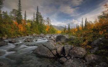 Осень в Хибинах.. / Мурманская область, горный массив Хибины, река Гольцовка, сентябрь 2020 года