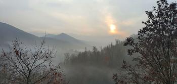 Декабрьское утро в горах / Снимок сделан в южном регионе Азербайджана. Камера Самсунг Нот -10 плюс.