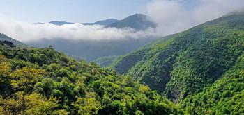 Ранняя осень в горах / Снимок сделан в Азербайджане