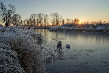 / рассвет,озеро,мороз