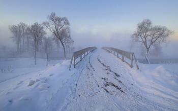 Истра. Зимний пейзаж с мостом / Россия. Московская область. Истра.
