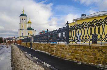 Покровская церковь. Вид с Союзного переулка / Россия. Тула. Покровская церковь.