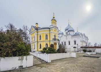 В монастыре. / Сергиев Посад. Спасо-Вифанский мужской монастырь.