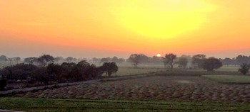 Панорама южного туманного утра / Панорама южного туманного утра