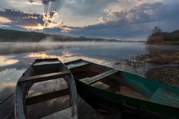 В лодку смотрятся облака / ***