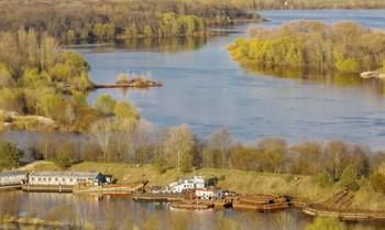 В Весеннем плену. / Весна на реке.