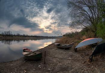 Тихим утром у реки / ***
