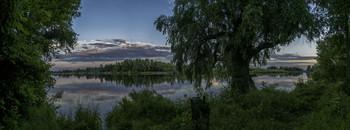 Куточок раю... / 13.06.2021. річка Десна, місто Остер