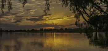 Вечір святої трійці... / 19.06.2021 місто Остер, річка Десна.
