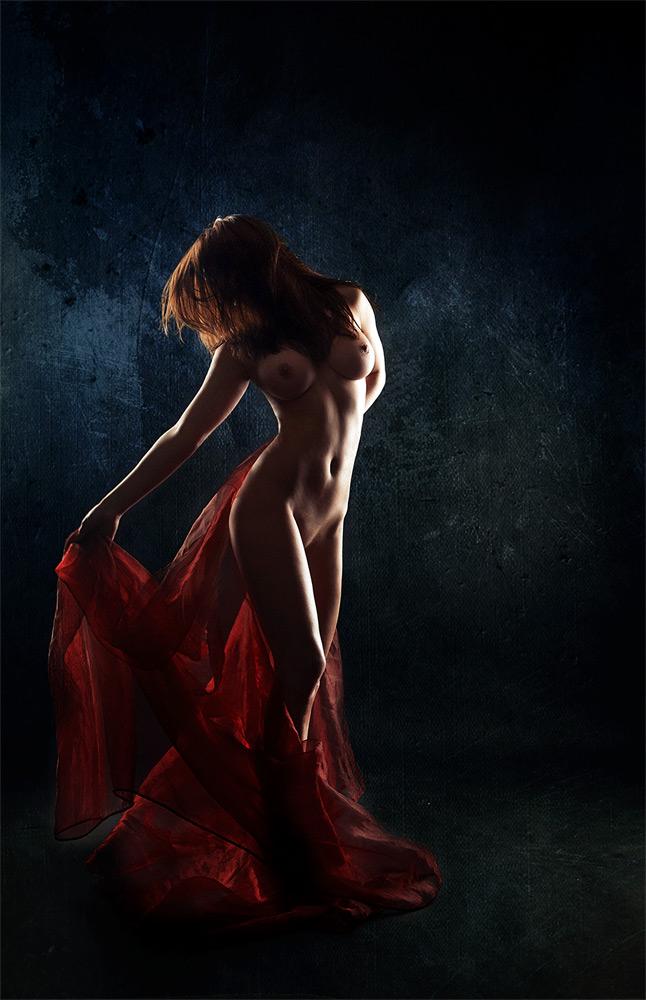 Постановка света в эротической фотографии жены сосет жена