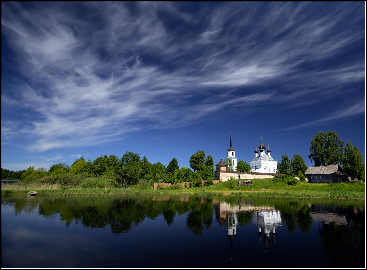 картинки монастырь у воды назвали сенат честь