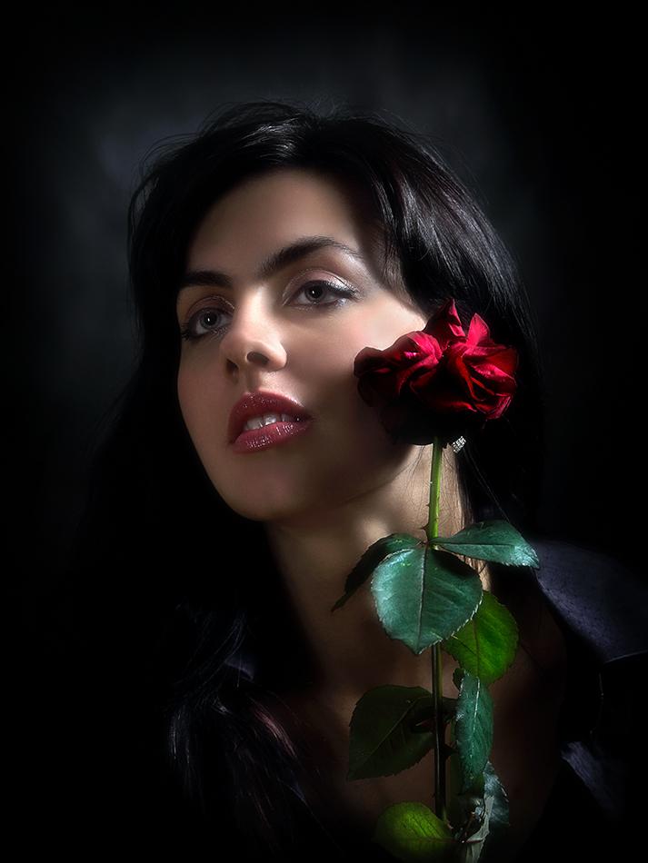 пожеланий ночь фотосессия брюнетка лена с розой глазам