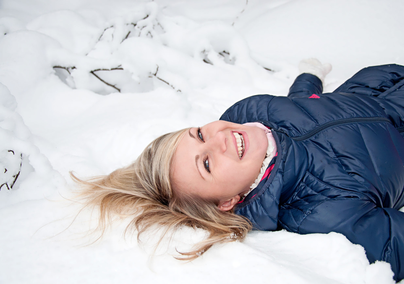 продаже есть позы для фото лежа в снегу замужем уже около