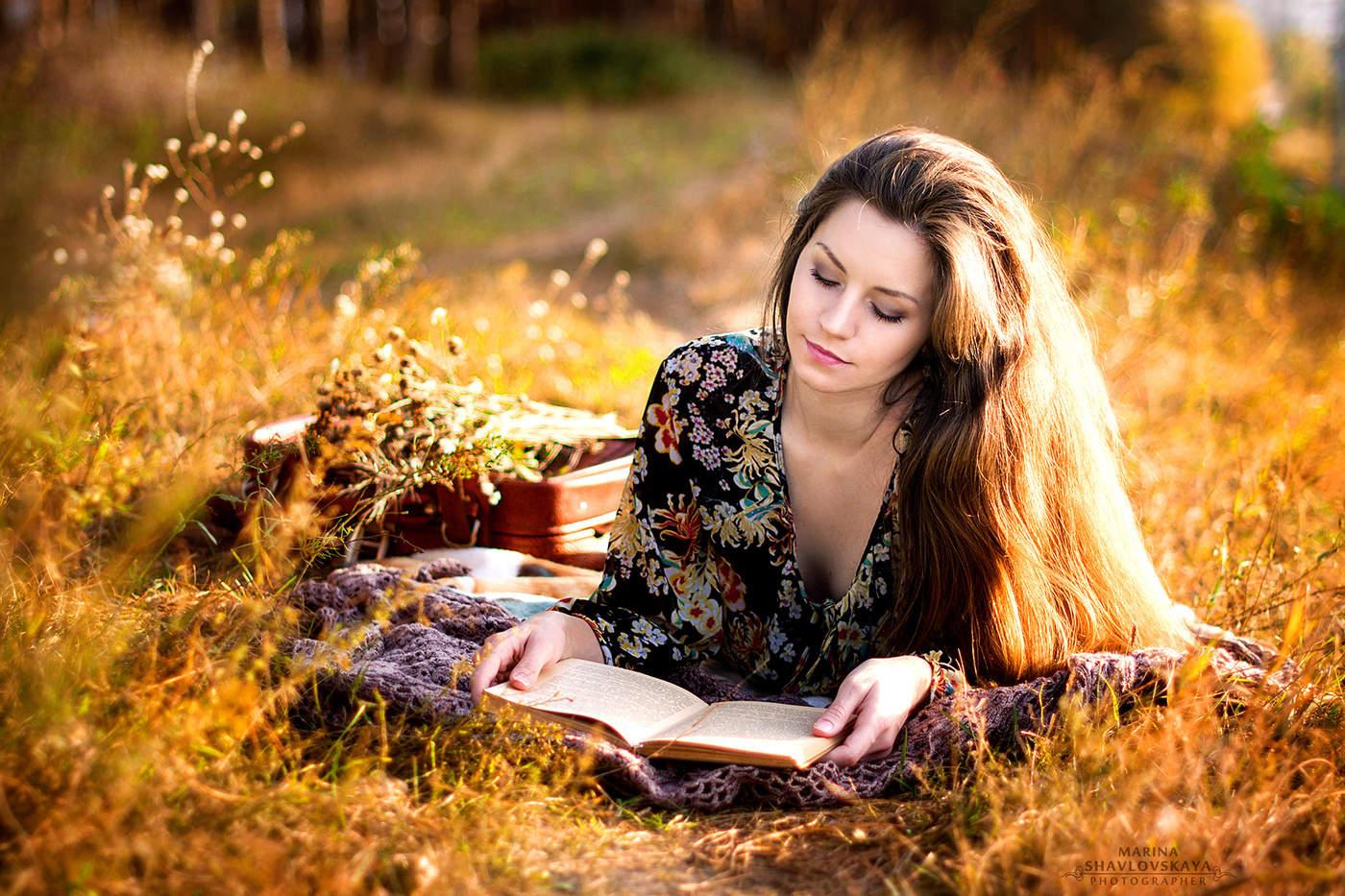 Картинки девушек на природе осенью
