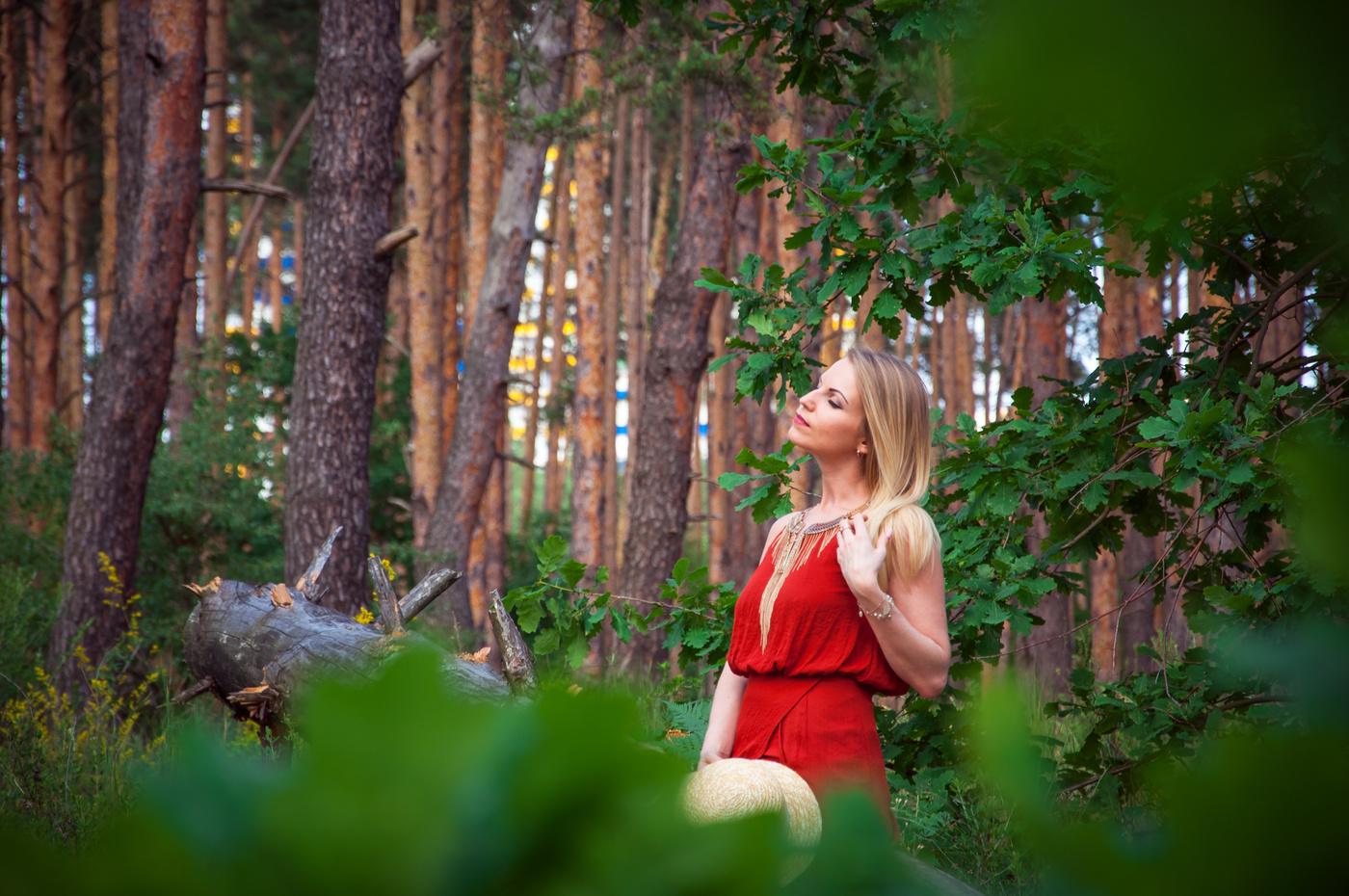 после развлечение девушек в лесу фильм смотрела давным