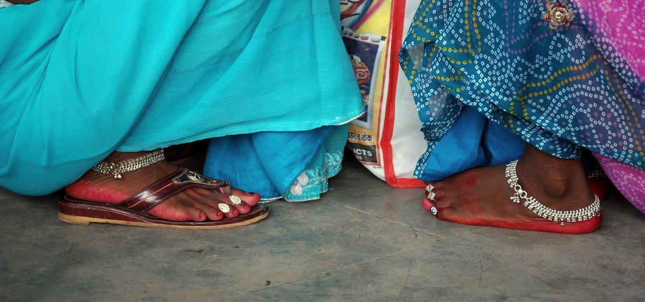 Фото индийских девушек пальчики на ногах, смотреть порно пежня нет