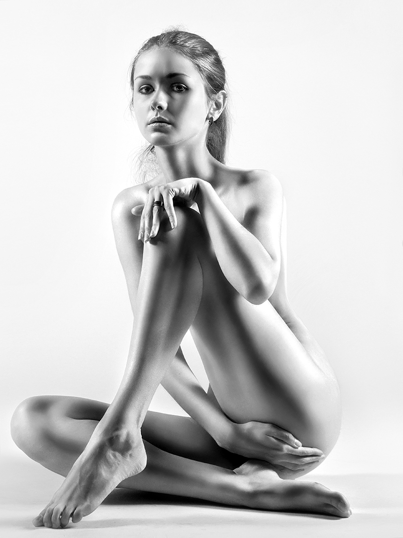 eroticheskaya-fotosessiya-v-studii-foto-russkaya-krasavitsa-otdalas-samtsu