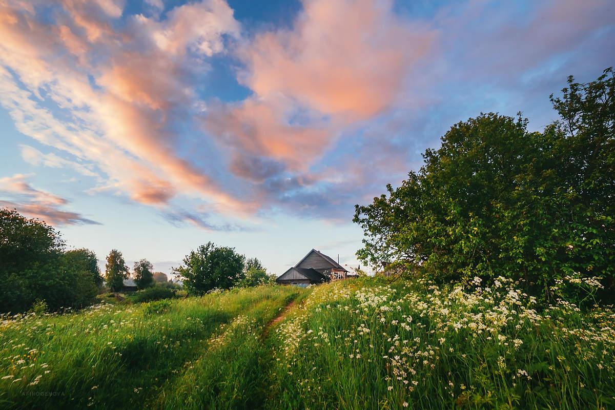 Трахает фото деревня летом
